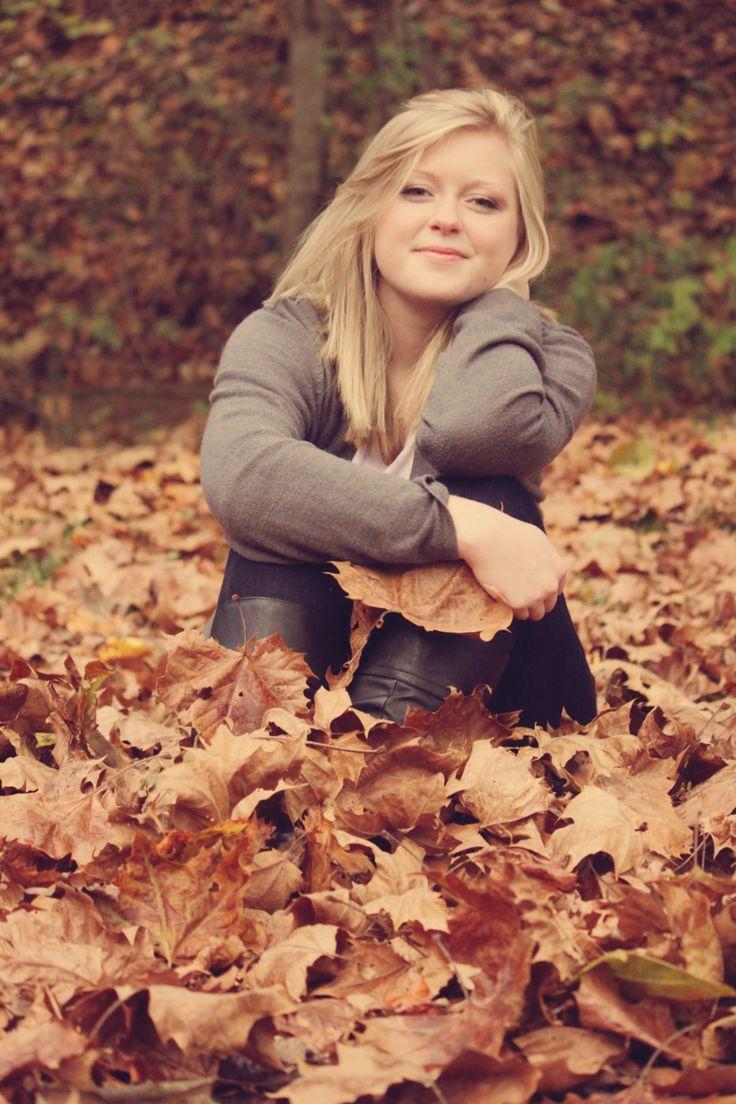 outdoor fall senior pictures @meganncaudell