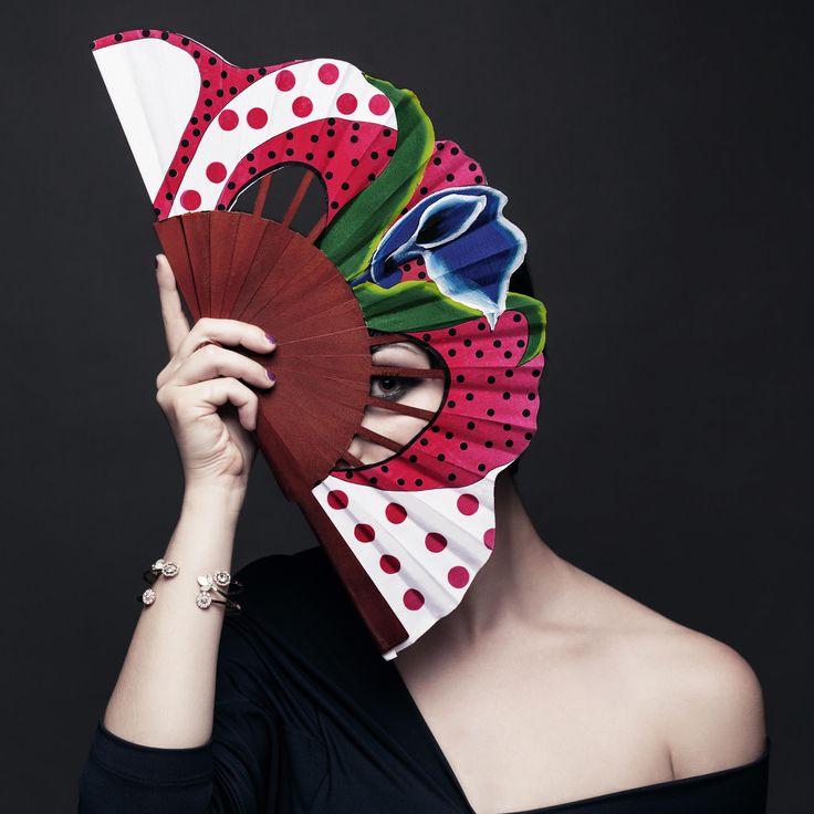 FAN FATALE Photo: Debora Di Donato//Styling: Silvia Ciafarone//Makeup: Desirè Matani//Model: Vanessa Sedita