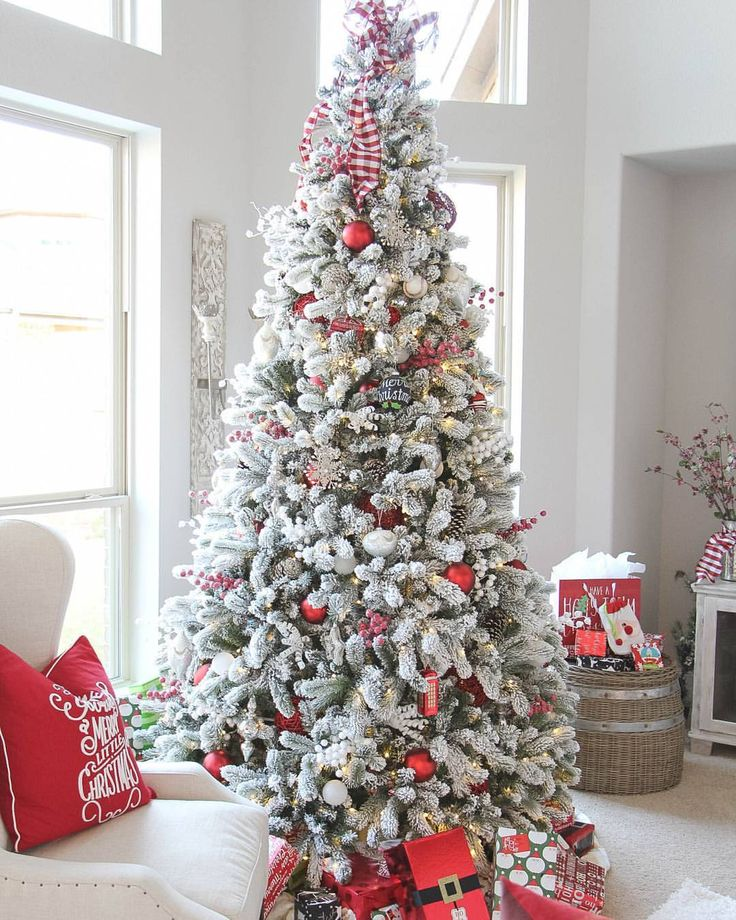 "2,194 Likes, 29 Comments - King Of Christmas (@kingofchristmas) on Instagram: ""Beautiful 9 Foot King Flock Christmas Tree Thank you @jesshogancrum for the beautiful decor…"""