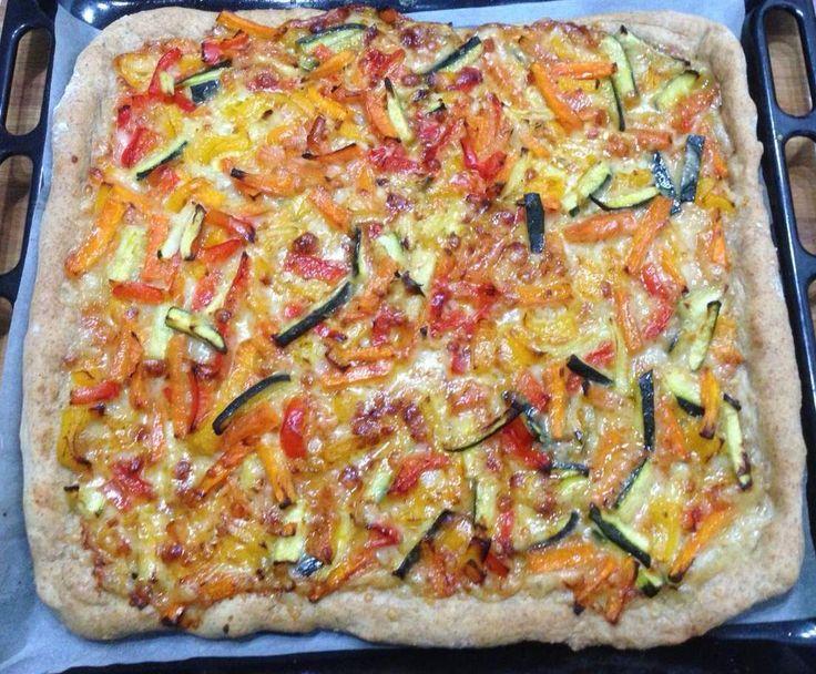 Ricetta Pizza integrale sfiziosa alle verdure miste pubblicata da Raita - Questa ricetta è nella categoria Prodotti da forno salati
