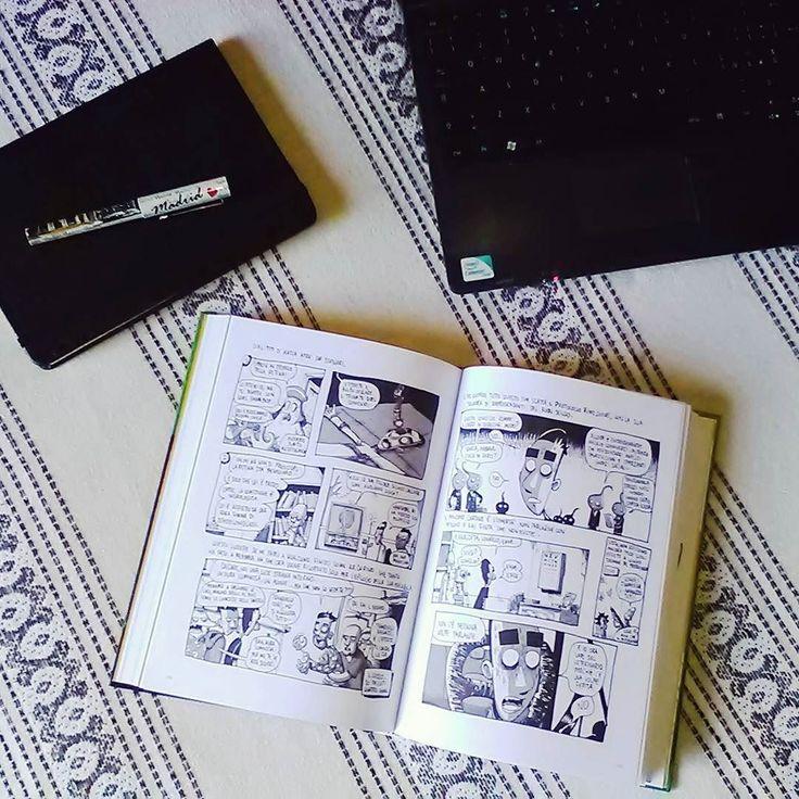 """Buon pomeriggio lettori!! Con questa foto rispondiamo al tag #alibroaperto grazie a @acupofteandagoodbook e @angolo.libri per averci taggate. Io sto per terminare """"Dimentica il mio nome"""" di Zerocalcare voi invece cosa state leggendo?  #zerocalcare #baopublishing #libri #books #bookstagram #book #leggere #reading #libro #instabook #lettura #bookworm #instalibri #photooftheday #bibliophile #letture #booknerd #igreads #relax #comic #fumetto #imieilibri #libridaleggere #instagood #fotodelgiorno…"""