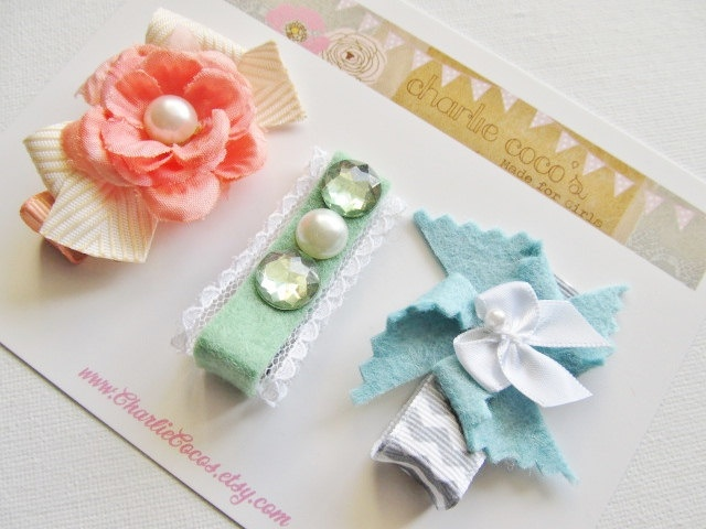 Girls Felt Bow Hair Clip Set by CharlieCocos on Etsy. $13.95. Adorable.