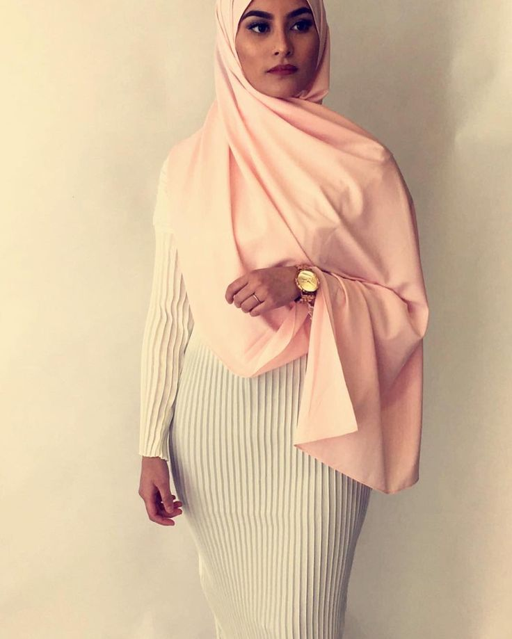 "11.9k Likes, 38 Comments - Hijab Fashion (@hijabfashion) on Instagram: ""Checkout @ambreenista in this beautiful beige scarf by @modest_now #hijabfashion"""