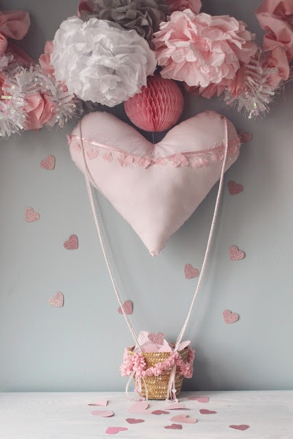 DIY Valentine's Countdown Heart Air Balloon