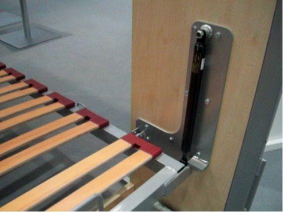 Hacer herrajes laterales de una cama abatible horizontal for Cama abatible horizontal