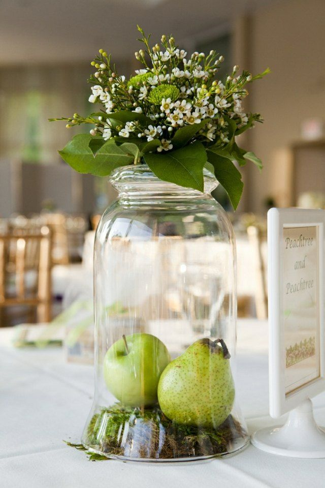 Eine Schlichte Tischdeko Mit Pfeln Hochz Blumenschmuck