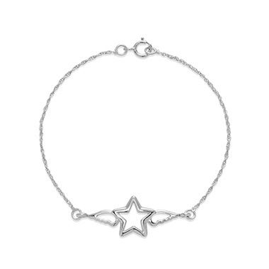 Silver Star with wings chain bracelet would be a magical gift for Christmas. The symbol of hope and happiness inspires our soul. This subtle openwork model is the perfect gift for the upcoming Holiday- ideal for your beloved one. #lilou #christmas #chain #bracelet #silver #star #wings #gift #present #elegant #original