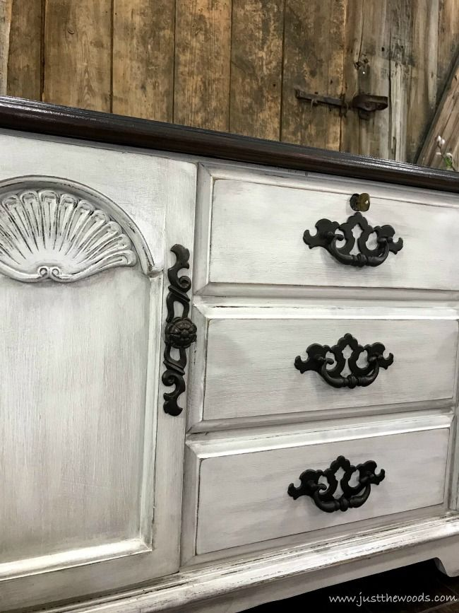 How to Give Your Lane Cedar Chest a Fabulous Farmhouse Finish