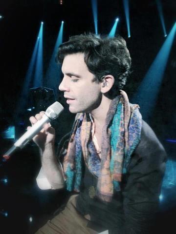 Gorgeous Mika!