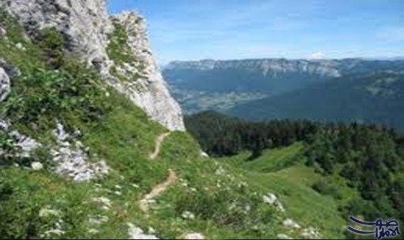 بياض جبال الأوراس يعتبر الوجهة المفضلة لعشاق التزلج تكسو جبال الأوراس أعلى القمم في شمال كل من محافظة باتنة وخنشلة وتبسة Natural Landmarks Landmarks Travel