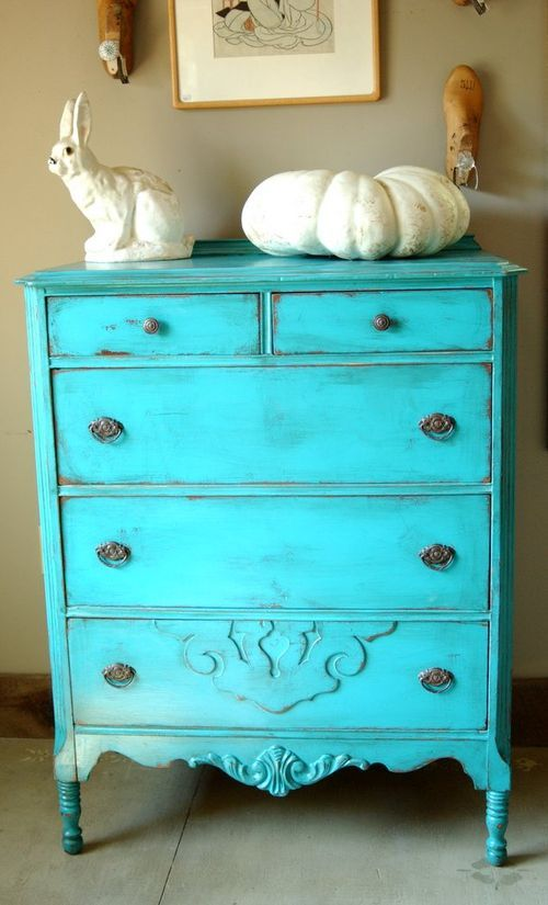 1000 Ideas About Blue Distressed Furniture On Pinterest Distressing Painted Furniture