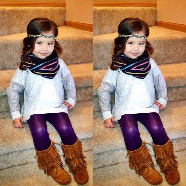 Adorable outfit. Who knew purple leggings would go so well with everything?