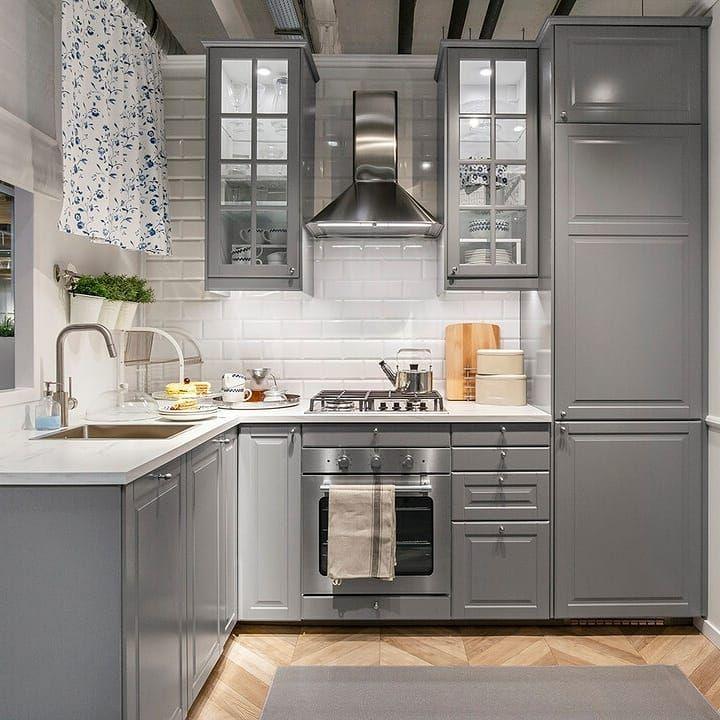 Ikea Polska On Instagram Wierzymy Ze Miejsce Gotowania Ma Wplyw Na Smak Potraw A Wygodna Kuchnia Z Prostymi I Pr Kitchen Design Kitchen Decor Grey Kitchens