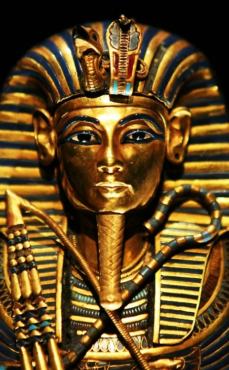 Funeral Mask of King #Tutankhamun www.ngmnationalgeographic.com