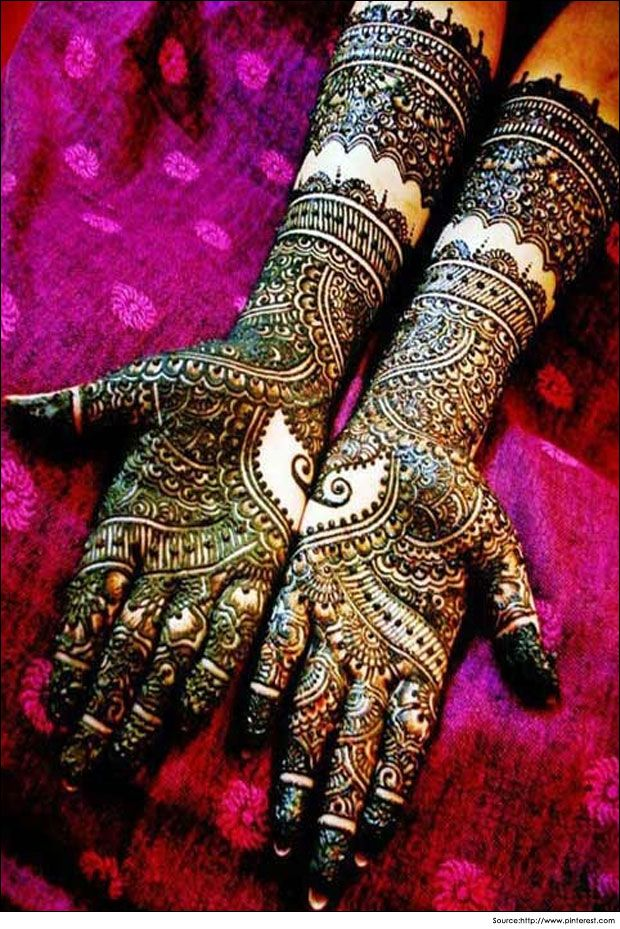 Latest #mehandi #design for the bride's hands will make you forget your sparkling #jewellery.