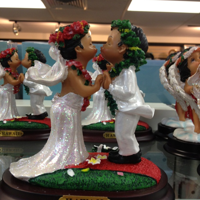 Hawaiian Themed Wedding Ideas: Hawaiian Themed Wedding Cake Topper
