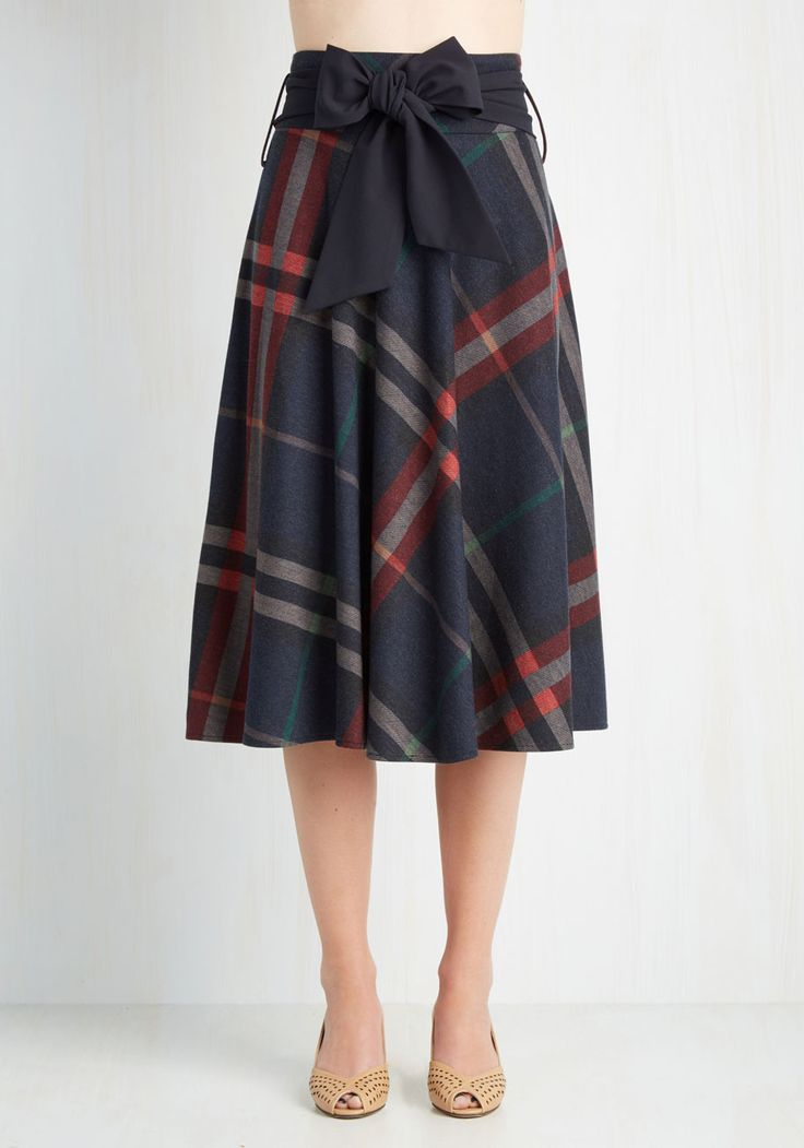 Brooklyn Belle Skirt. Between the brownstones and bookstores, Brooklyn browsers will find a stylista looking intelligent and adorable in this plaid midi skirt - and its you! #blue #modcloth