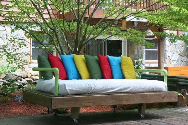 Original Dream Daybed Made With Pallets Pallets in The Garden Sofas