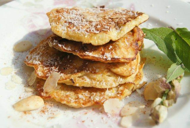 Suikervrije Banaan Pannenkoek, voor ontbijt of lunch.  Recept:  1 ei 1 banaan 1 el linzen 1 el kokosrasp 1 tl kaneel  Zo simpel!