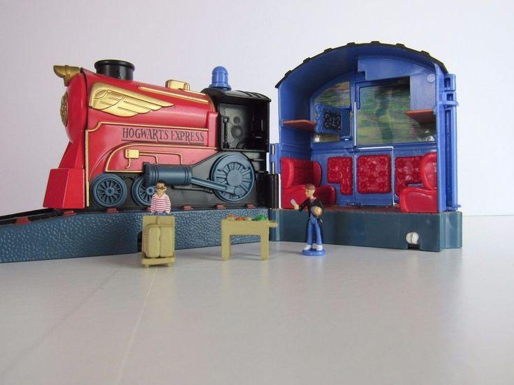 Harry Potter Platform 9 3/4 World of Hogwarts Playset By Mattel with Figures #Mattel