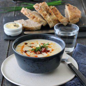 Blomkålsuppe med chorizo og gressløk