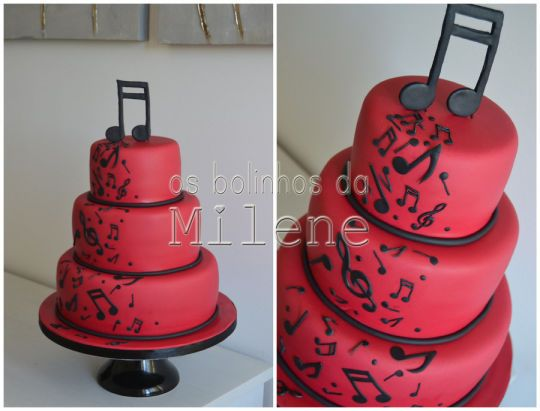 Red and black wedding cake - Music