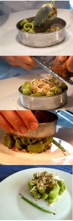 Conchiglie fredde, spinaci, verdurine, pinoli, ricotta affumicata e bacon #primipiatti #daminieaffini #ricette #carne