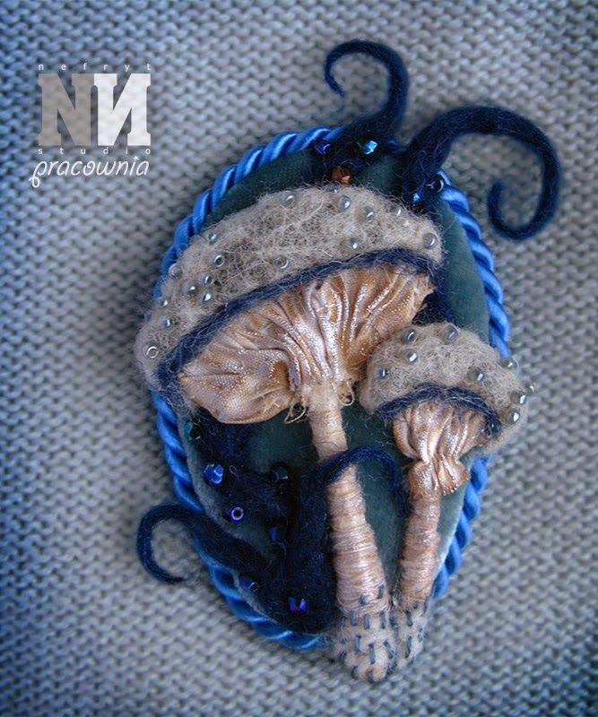 Mushrooms in Wonderland - brooch - mixed media by Nefryt Studio - Pracownia