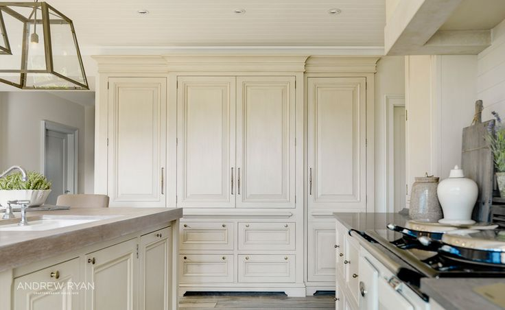 Coastal Retreat, a Classic Kitchen by AndrewRyan.ie.