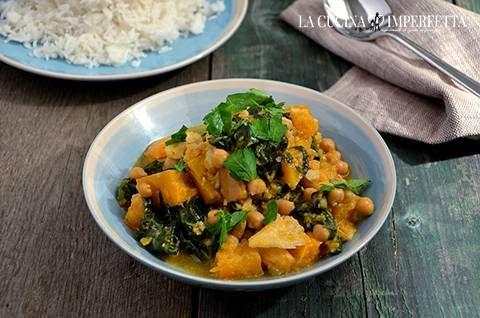 Curry vegetariano Il curry vegetariano è una deliziosa preparazione speziata a base di verdure e ceci. Il modo ideale di gustare questo piatto è accompagnato con del riso basmati. Avrete in poche, facili mosse un piatto sano, originale e molto sfizioso. Ho avuto l'idea di pr...  http://www.lacucinaimperfetta.com/2016/03/curry-vegetariano_14.html