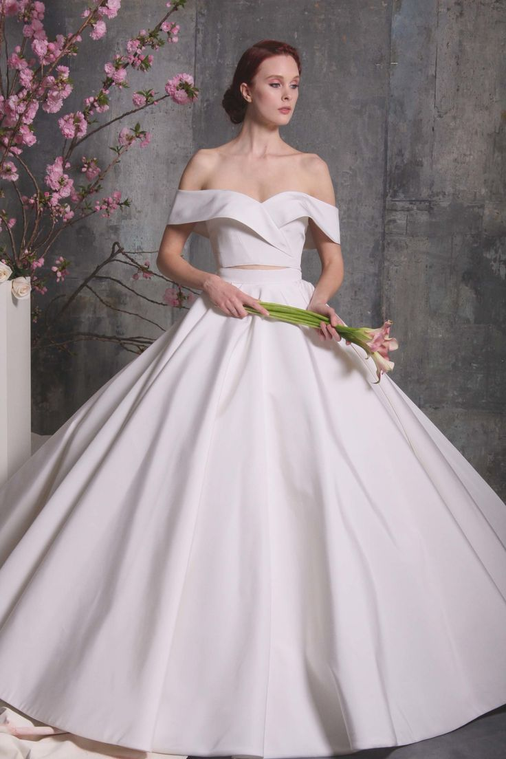Bridal #style review Spring18: Christian Siriano's inclusivist collection goes from traditional to modern minimalist to major wow