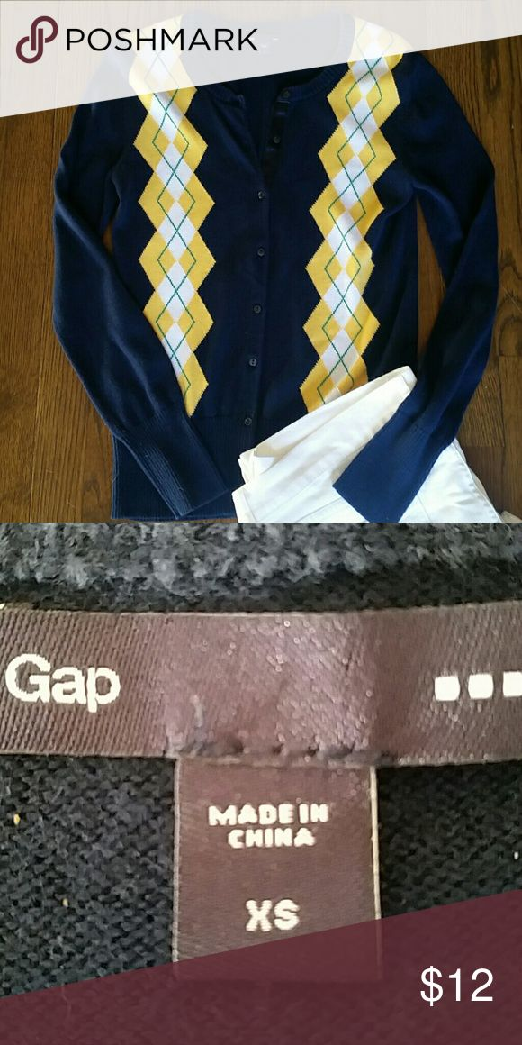 Gap oxford sweater Excellent condition like new no rips snags or stains.  100 % cotton navy gold green accent. Gap Sweaters Cardigans
