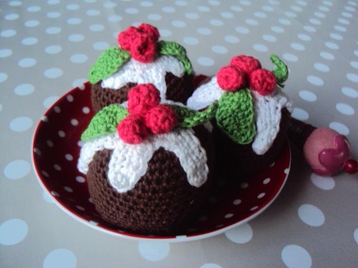 DIY Crocheted Christmas Cupcakes - FREE Crochet Pattern / Tutorial