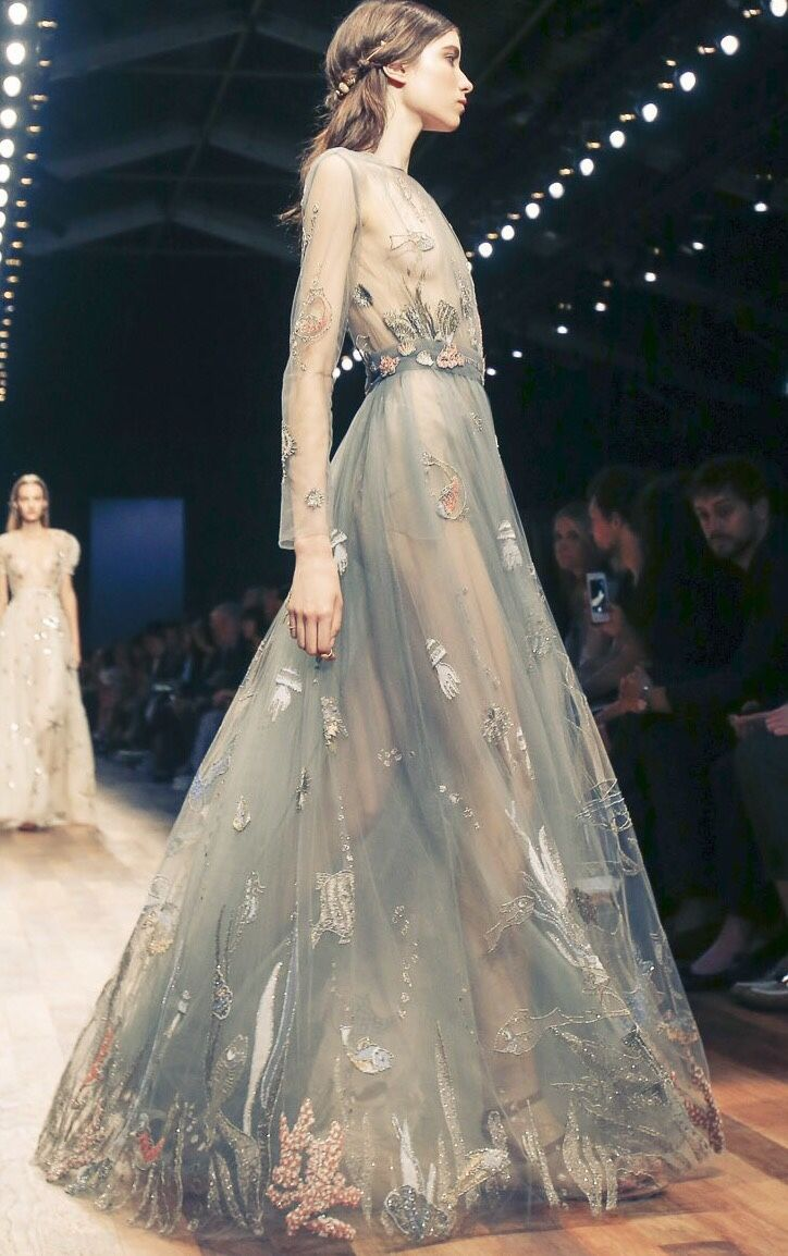 Best 25 Valentino Couture Ideas On Pinterest