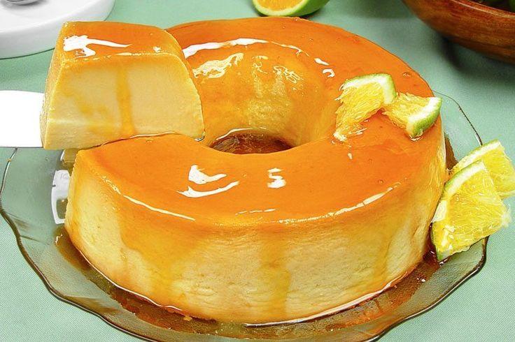 Você não pode deixar de fazer esse pudim de laranja especial decorado com laranja em fatias! É a pedida ideal para uma sobremesa em família!