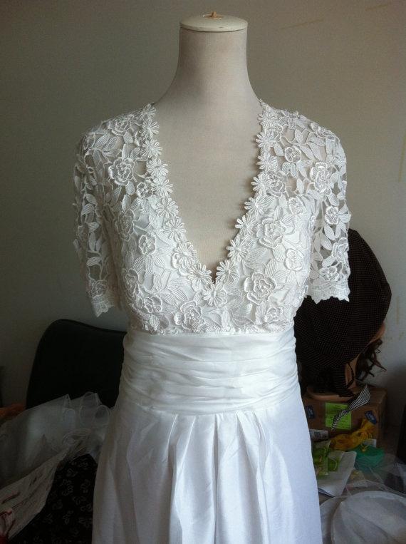 Vintage Lace Wedding Dress Plus size Wedding Dress by wonderxue