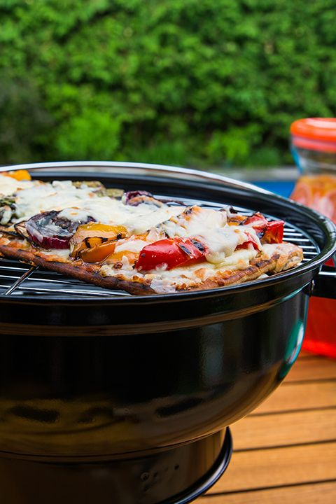 INGREDIENTS BY SAPUTO | Make the most of grilling season with our recipe for veggie pizza on the BBQ. Use flatbread for the crust, top with sliced zucchini, peppers and eggplant, then add generous amounts of Saputo Mozzarellissima mozzarella and Parmigiano Reggiano cheese. Presto! You have a healthy low-carb meal that's perfect for summer.