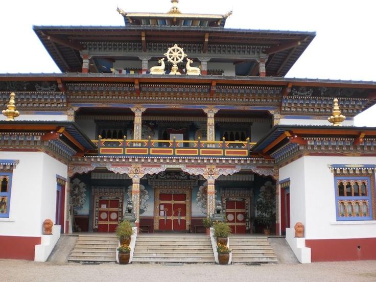 Boeddhistische tempel in de buurt.