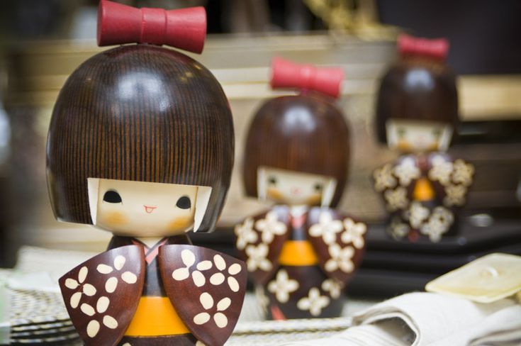 Short Sleeves Kokeshi Dolls - Kong Lung Trading