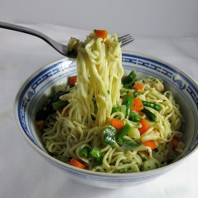 Mie Goreng Kampung ein Festmenü aus Indonesien Braten Gemüse Hauptgerichte Reis und Nudeln #asianfood #asiatisch #exotisch