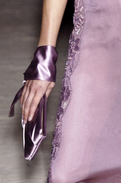 whatchathinkaboutthat:    Valentino Spring 2006 Details