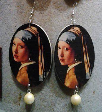 """La Ragazza con l'orecchino di perla di Jan Vermeer diventano orecchini. Collezione """"made in To"""". oggi lo store sarà aperto dalle 11,00 alle 20,30"""