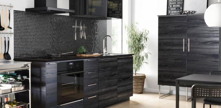 Moderne dunkelbraune Küche mit TINGSRYD Fronten Holzeffekt schwarz - küchenschränke günstig online kaufen
