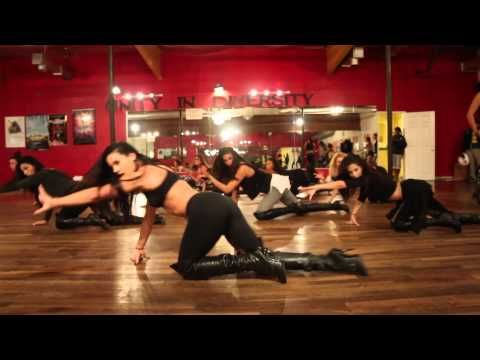 ▶ Katy Perry | Dark Horse dance. this is seriously amazing choreography...i need to take a dance class!