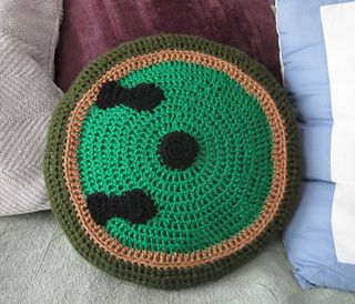 hobbit hole pillow (free pattern)