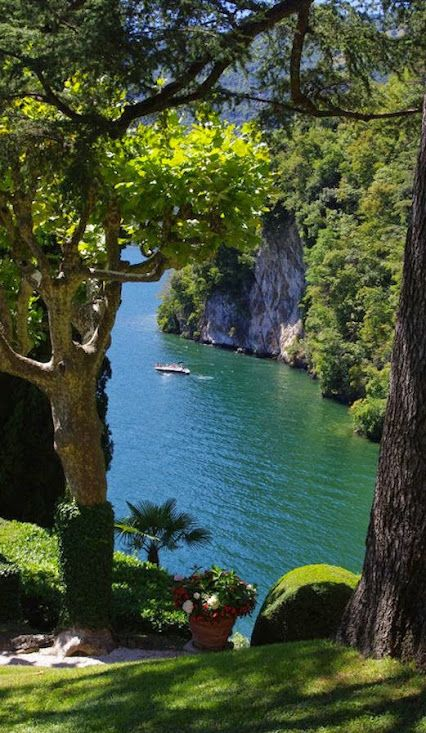Lake Como, Italy. It is really that beautiful!