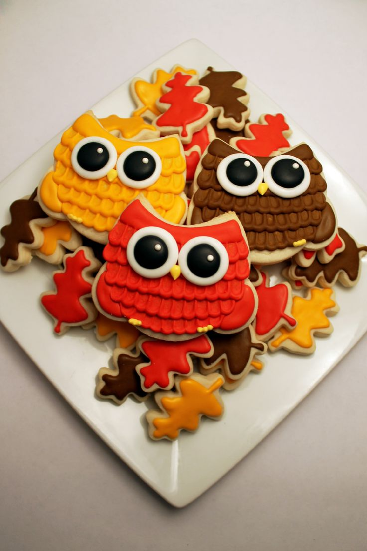 Owl (inspired by thebearfootbaker.com) and leaf cookies [Bake It So]