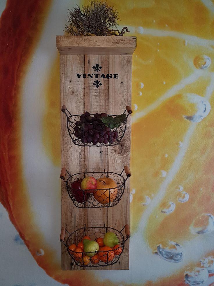 Vintage Regal mit Körbchen Vintage, Holz, Palette, Körbe, Basket, DIY, Aufhängung, Küche, Bad, Kräuter, Blumen, Deko, Nägel, Regal, Upcycling, Unikat, Einzelstück