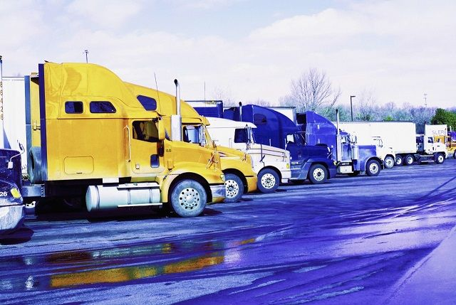 Professional Truck Drivers Selected as America's Road Team Finalists
