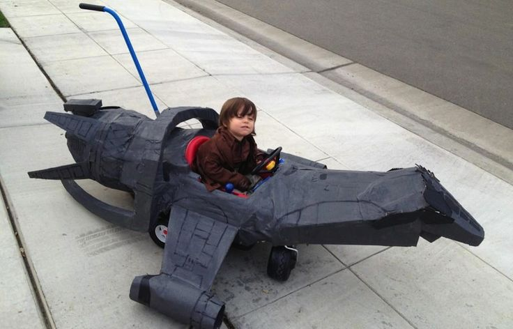 The tiniest, most adorable Firefly cosplayer is a little damn hero
